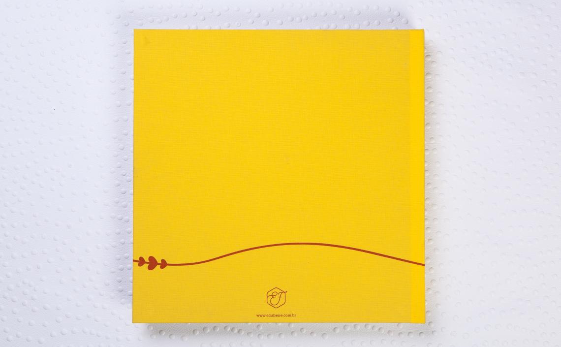 Capa Lonita Impressa Amarela. Impressão em vermelho