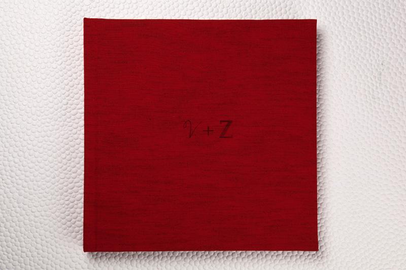 Capa Tecido Shantung Vermelho + gravação a laser