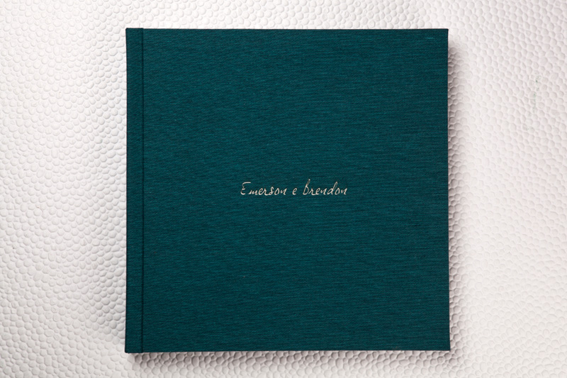 Capa Tecido Sicília Verde Esmeralda + LetterPress Branco