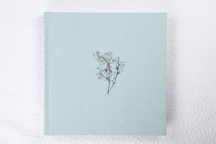 Capa Tecido Soft Lonita Verde + Hot Print Prata + Laminação Matte Satim + Guarda Impressa em Papel